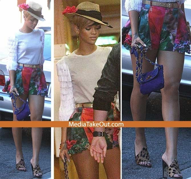 Celebrity Hot Gossip Singer Rihanna Crazy Outfit