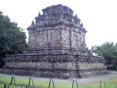 Candi Mendut Yogyakarta
