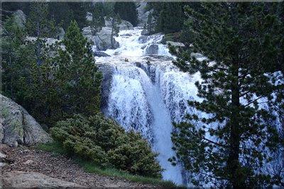 Cascadas y más cascadas.....
