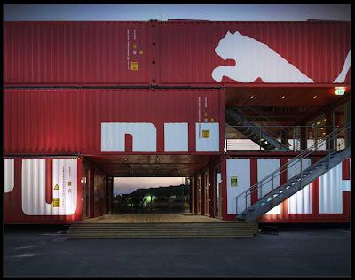 3dad20708 Esta tienda se montó y desmontó en Alicante por primera vez, y ahora  mientras da la vuelta al mundo está siendo noticia en el mundo de la  arquitectura y la ...