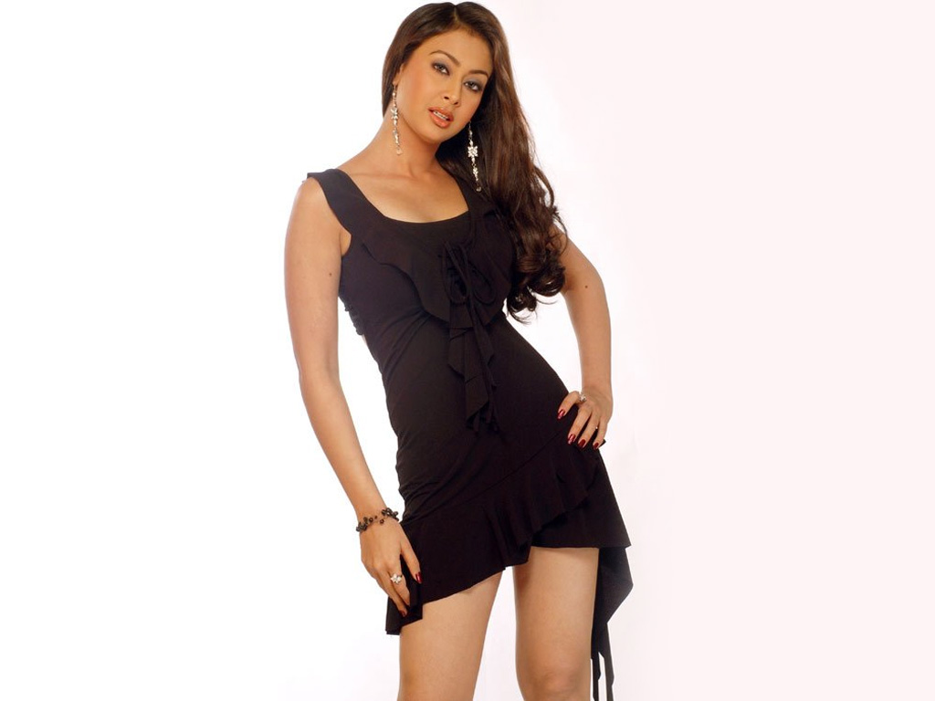 Preeti Jhangiani Hot Photo Gallery