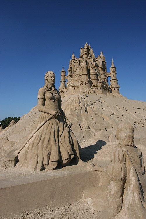 Globeedia: Most Amazing Sand Sculptures