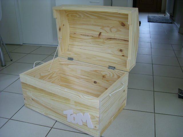 phil creation coffre en bois. Black Bedroom Furniture Sets. Home Design Ideas