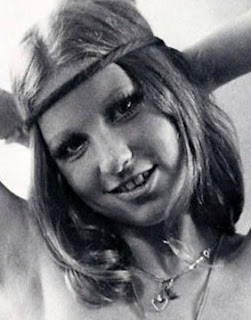If One Preferred Brunettes The Image Could Just Have Easily Fit Nude Model Roberta Pedon Yes I Know Both Smith And Pedon Were 1970s Pop Culture Figures