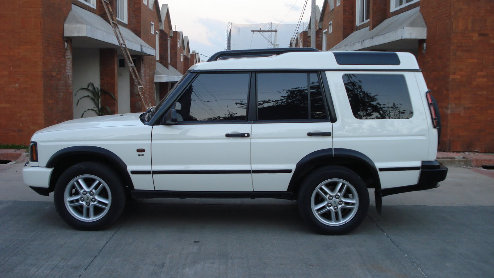 importmym land rover discovery se 4x4 modelo 2 004. Black Bedroom Furniture Sets. Home Design Ideas