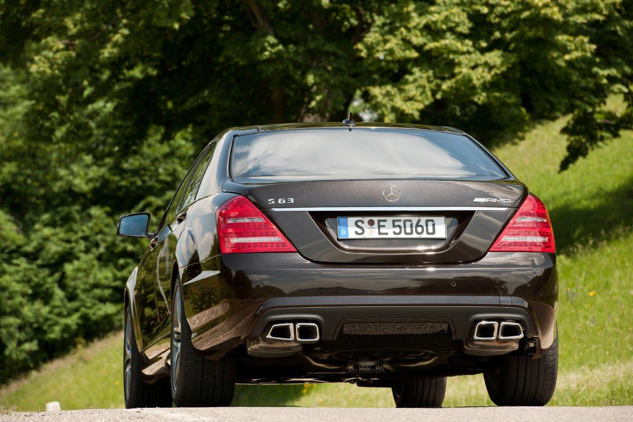 http://4.bp.blogspot.com/_J3_liDBfbvs/TFUz1Yv_QPI/AAAAAAAAxQw/m8Kn_hWlE-Q/s1600/2011-Mercedes-Benz-S63-AMG-Rear-View.jpg