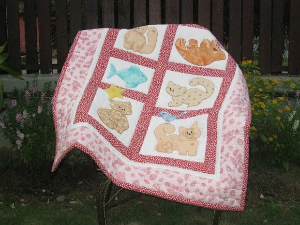 Akasia Home Deco Cats Applique Baby Quilt