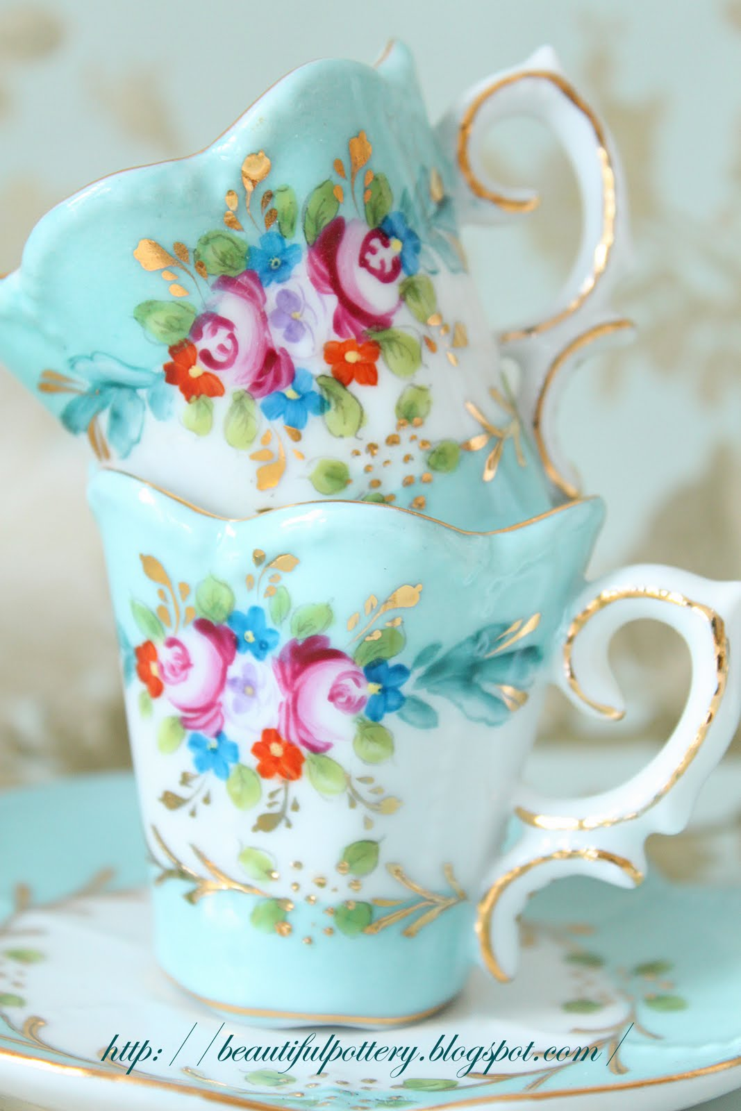 Beautiful Pottery Vintage Teaset