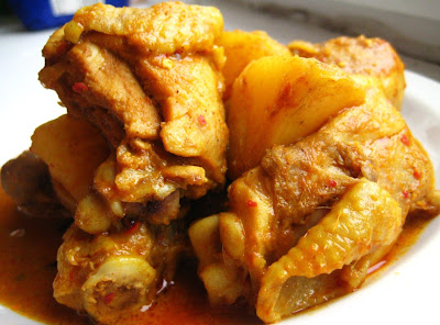 Sam Tans KitchenMalaysian Chicken Curry with Potatoes (Kari Ayam)