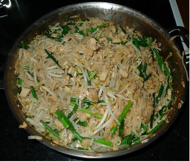 Thai Kitchen Chester: Amporn's Thai Kitchen: Vegetarian Phad Thai