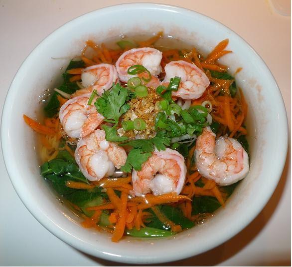 Thai Kitchen Chester: Amporn's Thai Kitchen: Wonton Noodle Soup With Shrimp