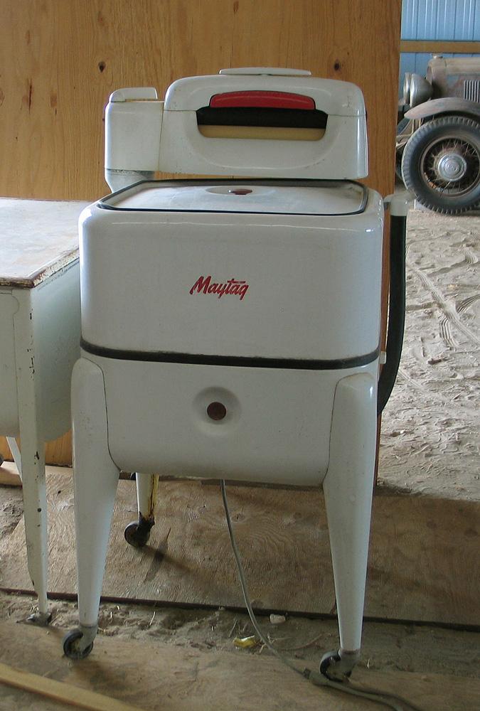 Old Maytag Wringer Washing Machine