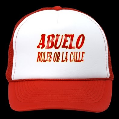 5020aad0a7e93 El Abuelo es el que manda en la casa.   ) Divertida gorra para regalar a un  compañero camionero que sea ya Abuelo. Diseño exclusivo de BORICUATSHIRT.