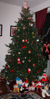 artist julia finucane 2010 holiday christmas tree