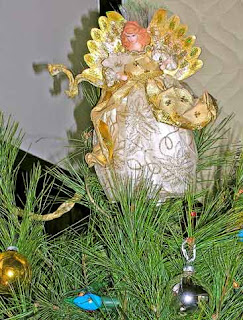 angel on christmas tree