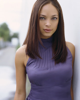 Kristin Kreuk high resolutiojn picture - click on to get the best resolution