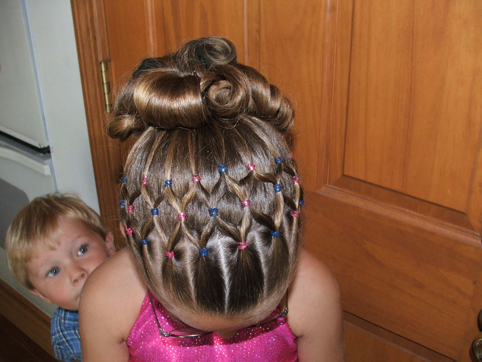 Simple and Best Hairstyle For 4 Year Girl