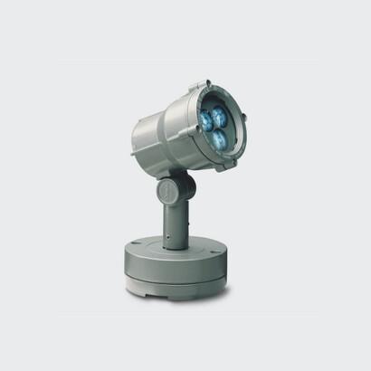 Impianti d 39 illuminazione illuminazione per esterni for Lampade a led lunghe