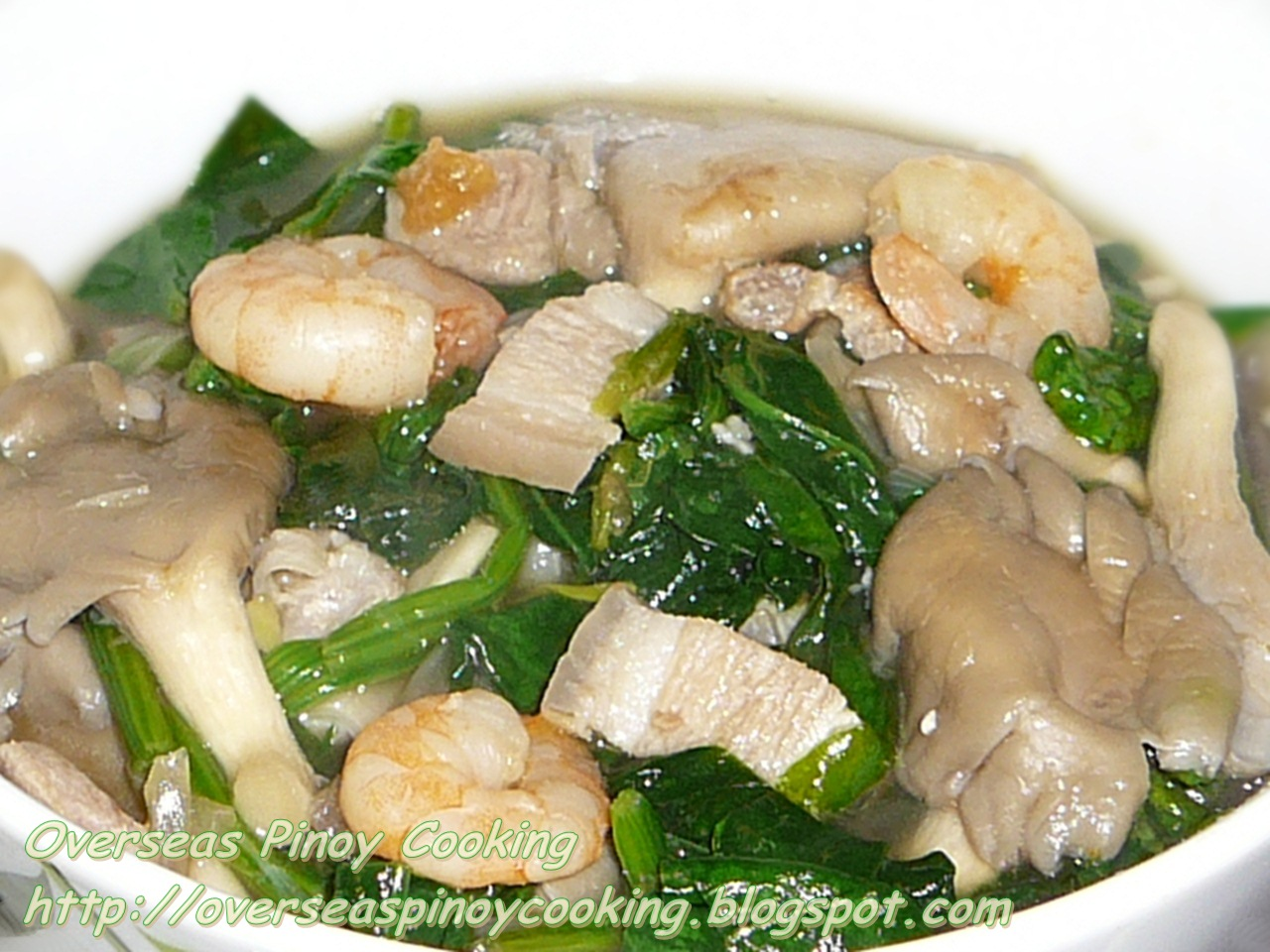 Ginisang Mushroom And Spinach