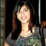 Shruti Hassan Latest Sexy Images