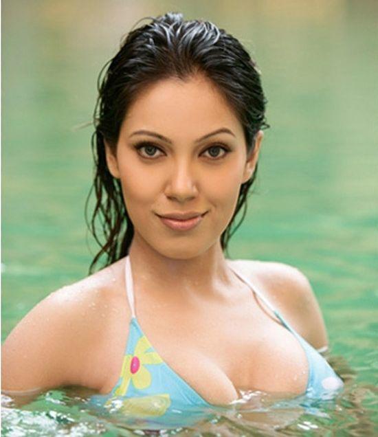 Hot Babe Moonmoon Dutta Bikini Images