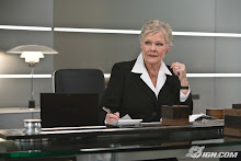 "La gran Judi Dench como ""M"" una jefa implacable"