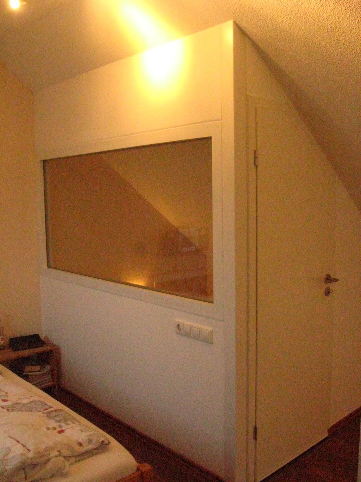 einbauschrankprojekt raumteiler t r mit dachschr ge. Black Bedroom Furniture Sets. Home Design Ideas