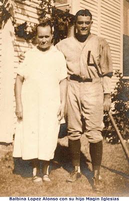 Balbina López Alonso y su hijo Magín Iglesias en Estados Unidos