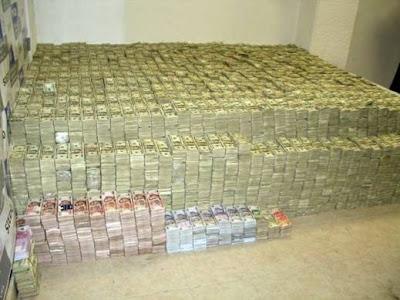 http://4.bp.blogspot.com/_KZ5qdgu3avM/SFvToUGVdRI/AAAAAAAAATc/s6LCP12nVf0/s400/money002%5B2%5D.jpg