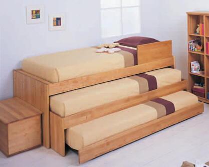 Dormitorio para 3 ni os y camas triples via dormitorios for Dormitorio para 4 personas