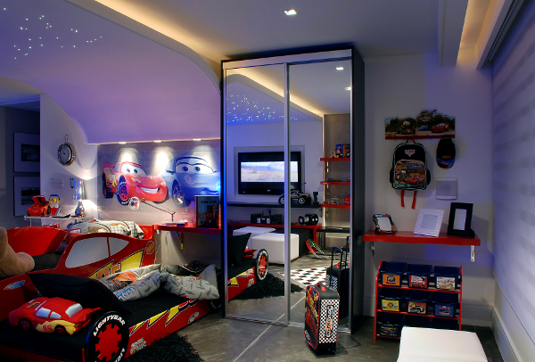Dormitorio rayo mcqueen cars for Decoracion de dormitorios para varones