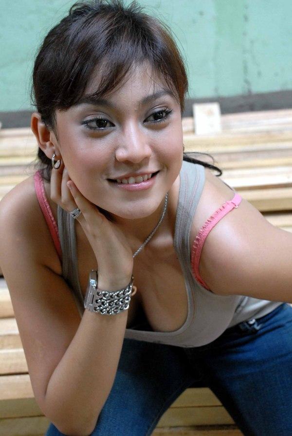Photos Ayu Anjani Indonesia Celebrities Fat 1