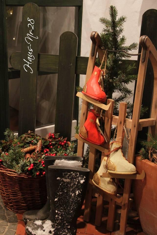 haus weihnachtlich dekorieren wie sie eine weidenkranz deko zu weihnachten selber machen. Black Bedroom Furniture Sets. Home Design Ideas