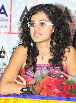 tapsee photos