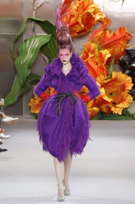 Dior Fashion Show – Haute Couture Fall / Winter 2010-2011