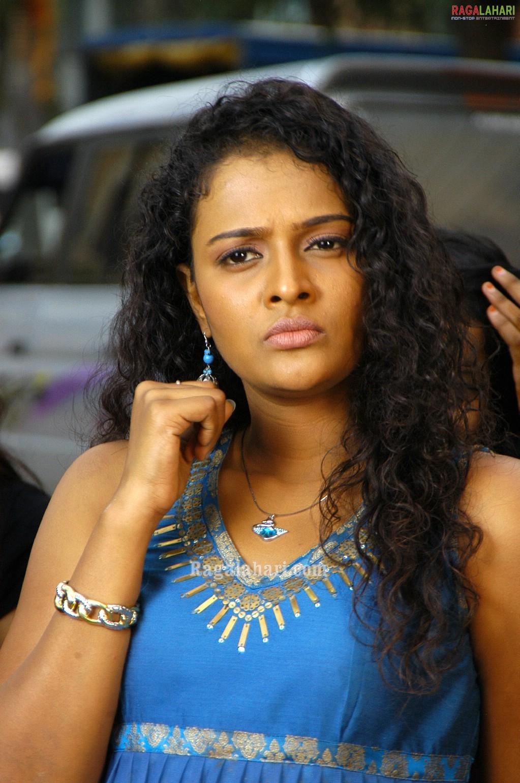 Mamta kulkarni hot songs bollywood movie dilbar title song - 4 7