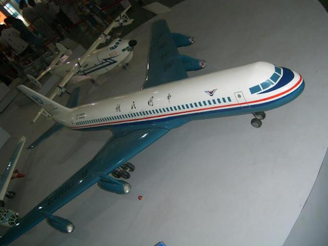 O Shanghai Y-10, contrafação do Boeing 707 não foi muito mais longe da maquete