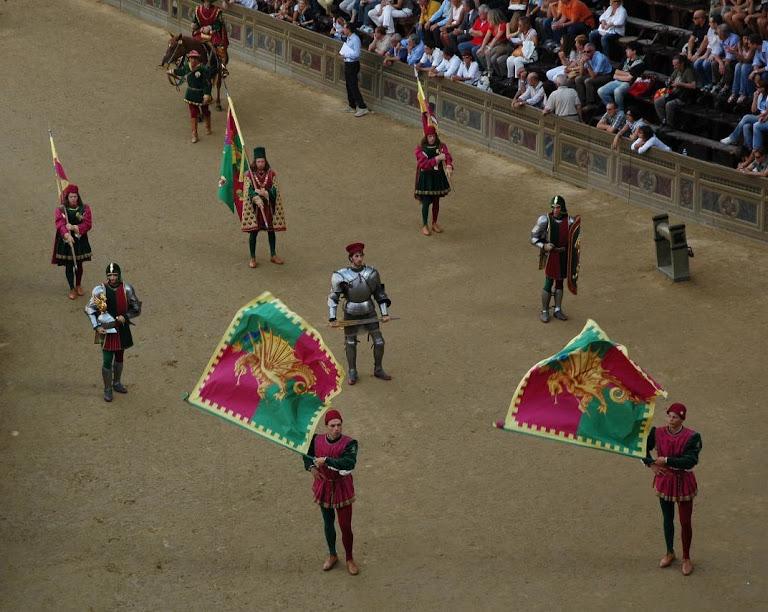 Palio di Siena, a cidade medieval