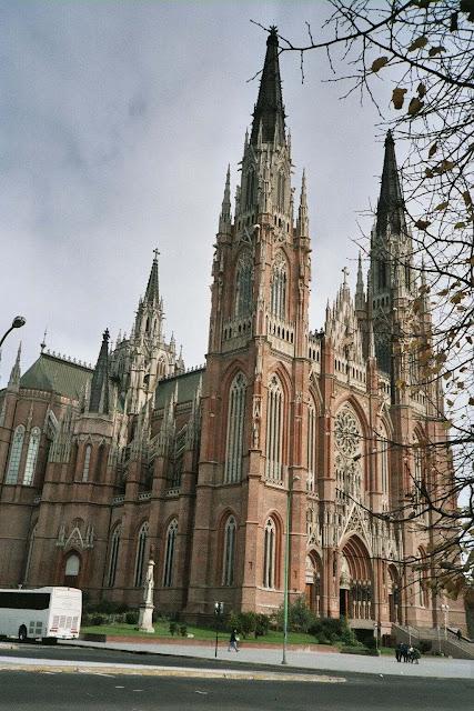 Catedral de La Plata, Argentina. Catedrais medievais