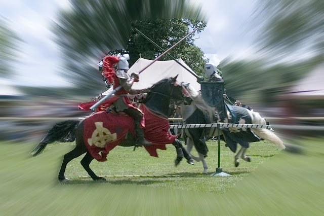 Choque entre cavaleiros medievais, Warwick