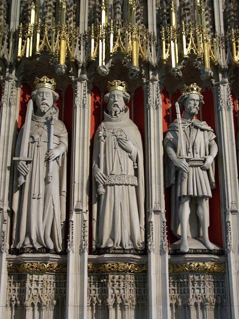 Reis e cavaleiros na catedral de York, Inglaterra