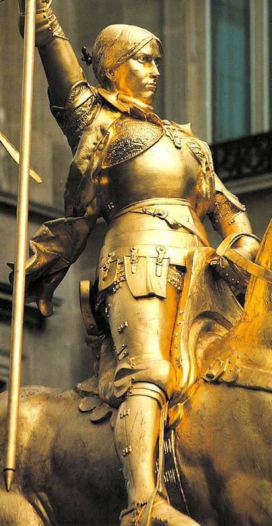 Santa Joana d'Arc. Primeira estátua equestre.  Emmanuel Frémiet, 1874, Place des Pyramides, Paris.