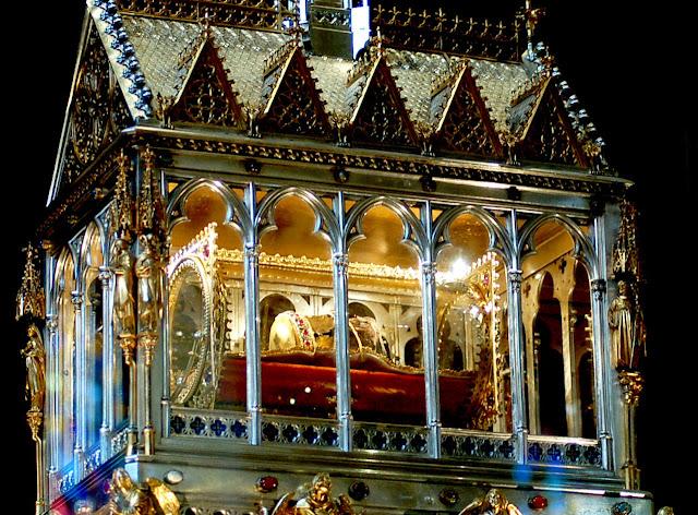 Relicário com a mão de Santo Estevão.