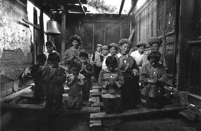 Capela católica 'clandestina' em aldeia do Yunnan, 1994