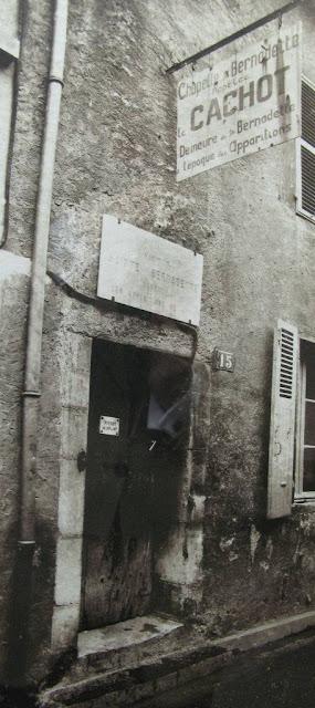 O 'cachot', cela da prisão da delegacia: único local que sobrou para a família Soubirous na miséria