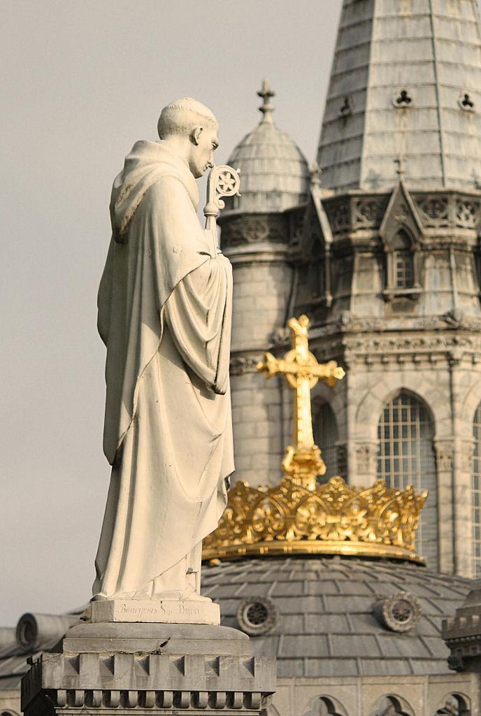 São Bernardo de Claraval. Santuário de Lourdes