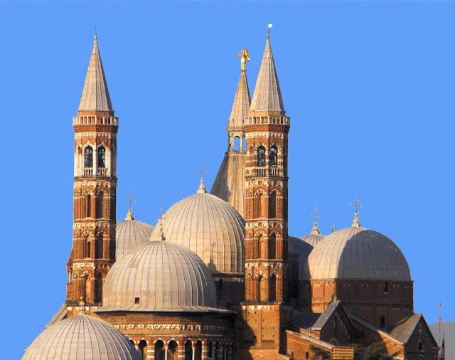 Basílica de Santo Antonio, Padova, Itália.