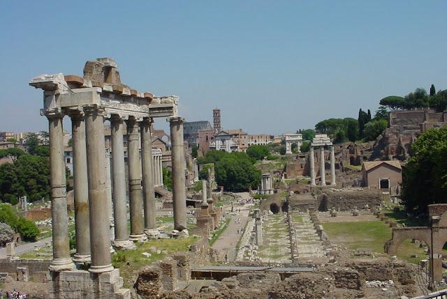 Os bárbaros arrasaram a civilização. Roma