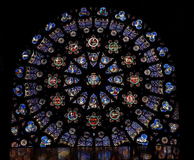 Rosácea da basílica abacial de Saint-Denis, Paris