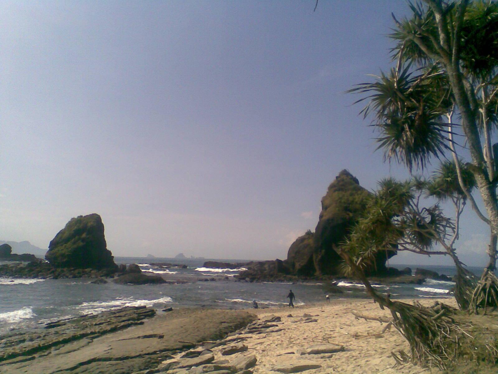 Wisata Cantik Indonesia Tanjung Papuma Jember